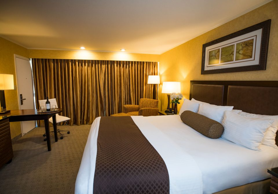 The spacious Superior King hotel room in Flamingo Resort, Santa Rosa